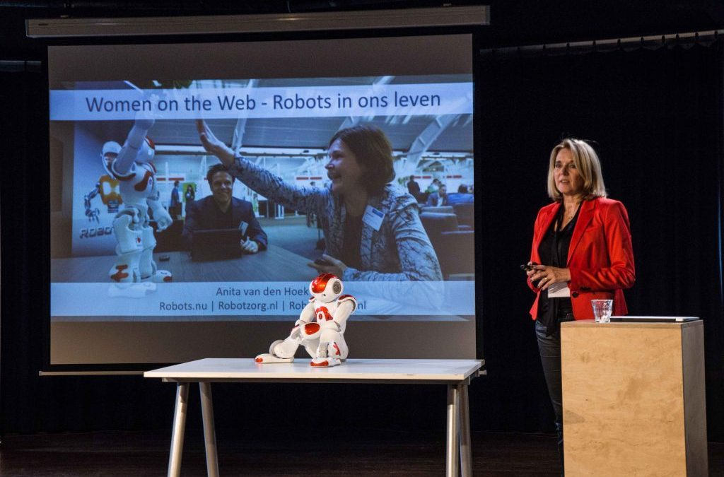 Anita van den Hoek, speaker robots and ethics