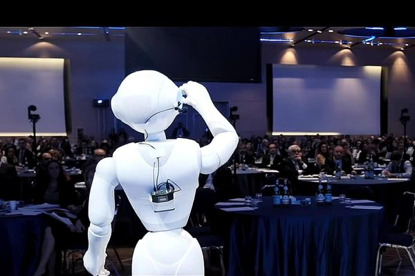 Robots on stage for innovation event